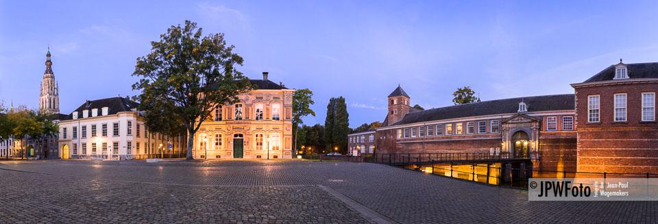 Stadsgezicht - Panorama Kasteelplein Breda