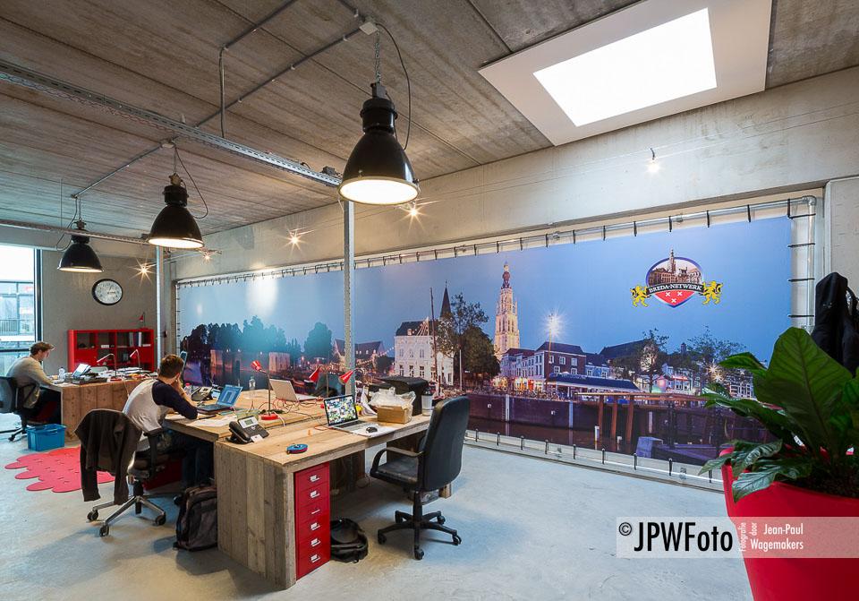 Gigantisch panorama Breda op spandoek