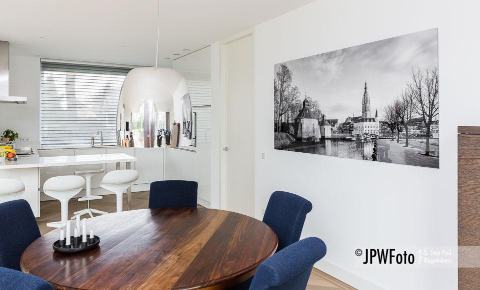 Luxe Zwart-Witprint Breda verlijmt achter acrylglas
